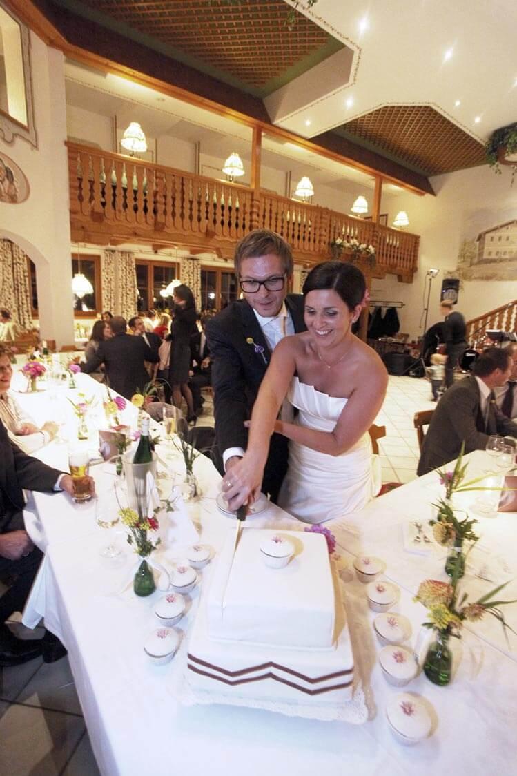 Großer Festsaal für Hochzeiten oder große Familienfeste.